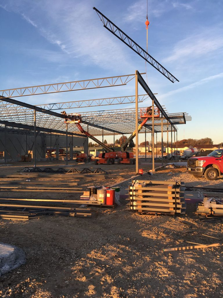 Setting steel bar joists