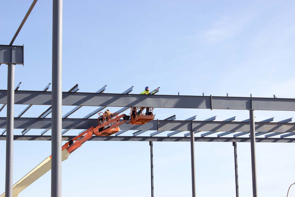 Setting steel purlins